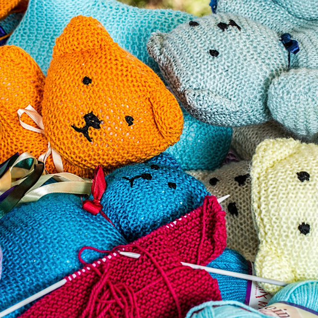4 Sites Where Crocheters and Knitters Can Get Thousands of Patterns For Free
