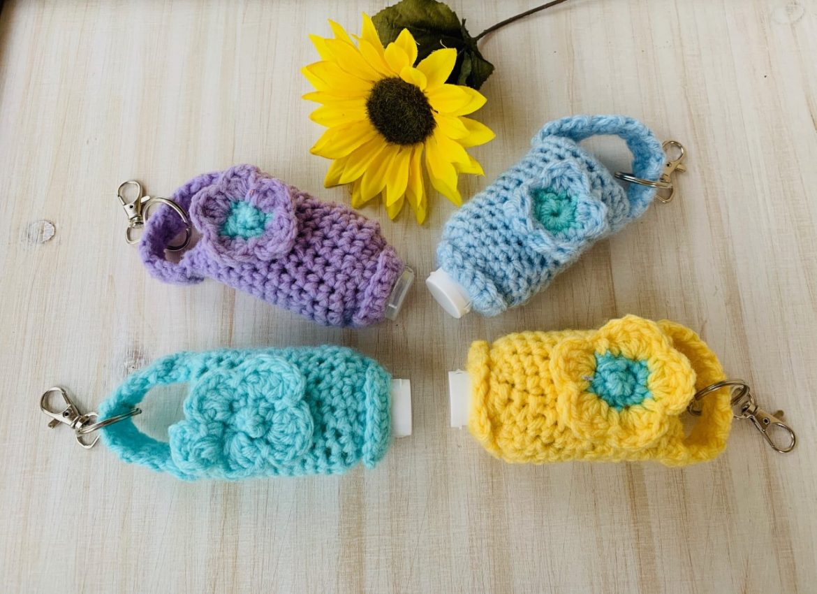 How to Crochet a Hand Sanitizer Holder (No Snaps!) With Video Tutorial!